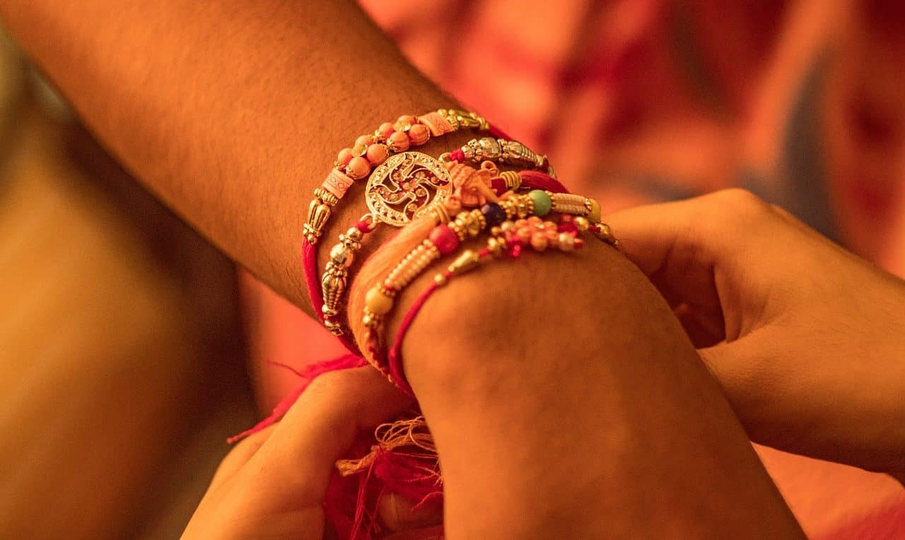 Seven Things We All Must Have Done On Rakhi... - Plattershare - Recipes, Food Stories And Food Enthusiasts