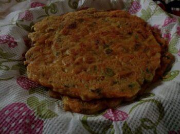 Besan Ka Cheela - Plattershare - Recipes, Food Stories And Food Enthusiasts