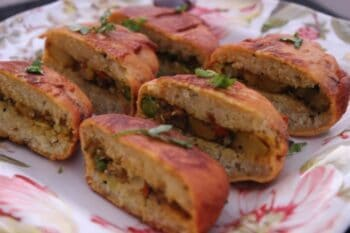 Stuffed Idli Pakodas - Plattershare - Recipes, Food Stories And Food Enthusiasts