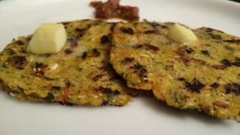 Stuffed Makki Ki Roti - Plattershare - Recipes, Food Stories And Food Enthusiasts