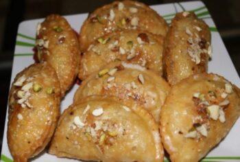 Mawa Gujiya - Plattershare - Recipes, Food Stories And Food Enthusiasts