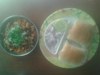 Misal Pav - Plattershare - Recipes, Food Stories And Food Enthusiasts