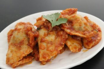 Spinach And Cottage Cheese Eggless Ravioli - Plattershare - Recipes, Food Stories And Food Enthusiasts