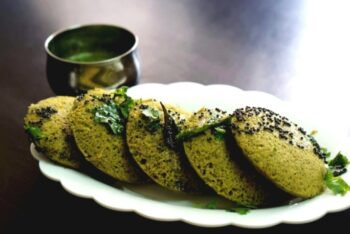 Spinach Dhokla - Plattershare - Recipes, Food Stories And Food Enthusiasts