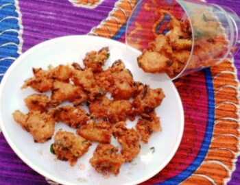 Aval / Poha Pakodas - Plattershare - Recipes, Food Stories And Food Enthusiasts