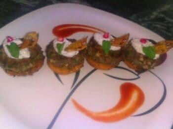 Nadru Ki Tikki With Crispy Makai Biscuits - Plattershare - Recipes, Food Stories And Food Enthusiasts
