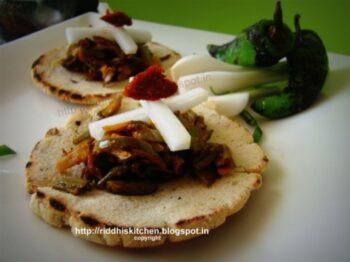 Makke Ki Roti With Snow Peas And Baigan(Eggplant) Ki Sabji - Plattershare - Recipes, Food Stories And Food Enthusiasts