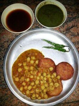 Aloo Tikki Chole - Plattershare - Recipes, Food Stories And Food Enthusiasts