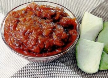 Mangai Thokku (Grated Raw Mango Pickle) - Plattershare - Recipes, Food Stories And Food Enthusiasts