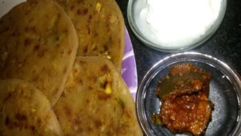 Onion Parathas - Plattershare - Recipes, Food Stories And Food Enthusiasts