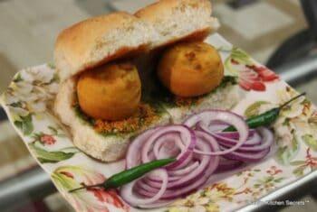 Vada Pav - Plattershare - Recipes, Food Stories And Food Enthusiasts