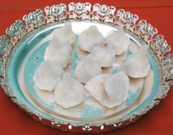 Aval Pooran Kozhukattai / Poha Modhak - Plattershare - Recipes, Food Stories And Food Enthusiasts