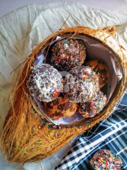 Choco Coconut Truffles - Plattershare - Recipes, Food Stories And Food Enthusiasts