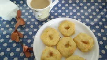 Instant Semolina Vada - Plattershare - Recipes, Food Stories And Food Enthusiasts