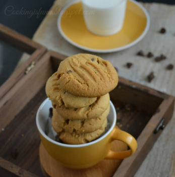 Peanut Butter And Chocolate Chips Cookies - Plattershare - Recipes, Food Stories And Food Enthusiasts