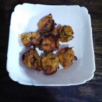 Lottya Fish Pakoda (Bengali) - Plattershare - Recipes, Food Stories And Food Enthusiasts
