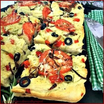 Rosemary &Amp; Roasted Red Bell-Pepper Focaccia Bread - Plattershare - Recipes, Food Stories And Food Enthusiasts