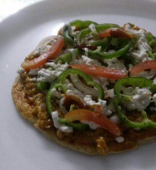 Oats Tava Pizza - Plattershare - Recipes, Food Stories And Food Enthusiasts
