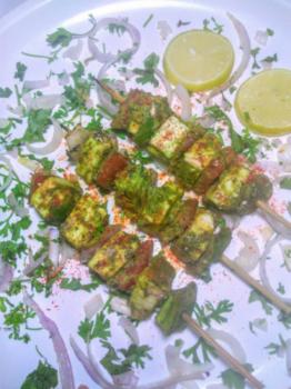 Green Paneer Tikka Masala - Plattershare - Recipes, Food Stories And Food Enthusiasts