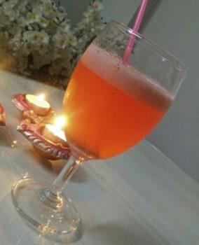 Valentine Strawberry Lemonade - Plattershare - Recipes, Food Stories And Food Enthusiasts