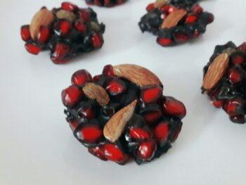 Pomegranate Dark Chocolate Bites - Plattershare - Recipes, Food Stories And Food Enthusiasts