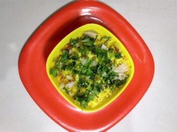 Maharashtrian Kanda Poha - Plattershare - Recipes, Food Stories And Food Enthusiasts