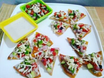 Nachos With Cheese Sauce And Salsa - Plattershare - Recipes, Food Stories And Food Enthusiasts