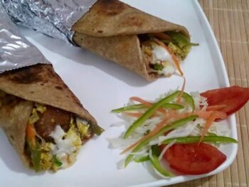 Parantha Roll - Plattershare - Recipes, Food Stories And Food Enthusiasts