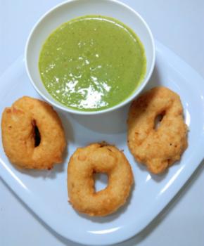 Medu Wada - Plattershare - Recipes, Food Stories And Food Enthusiasts