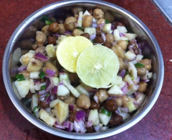 Chana Chaat Recipe- Chickpeas Salad Recipe - Plattershare - Recipes, Food Stories And Food Enthusiasts
