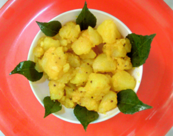 Rai Wale Aloo (Boiled Potatoes In Mustard Seeds And Curry Leaves) - Plattershare - Recipes, Food Stories And Food Enthusiasts