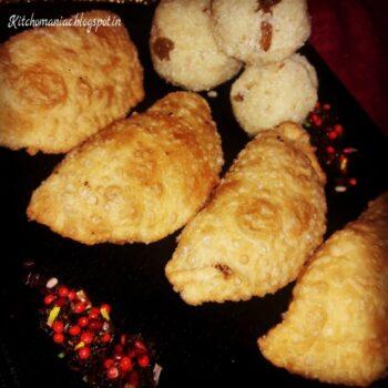 Mava Gujiya Holi Sweets - Plattershare - Recipes, Food Stories And Food Enthusiasts