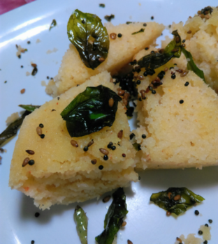 Instant Rawa Dhokhla - Plattershare - Recipes, Food Stories And Food Enthusiasts