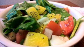 Spinach Salad With Lemon Vinaigrette - Plattershare - Recipes, Food Stories And Food Enthusiasts