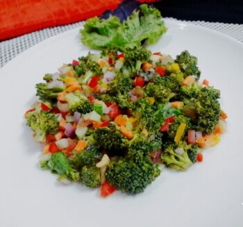 Crunchy Broccoli Salad - Plattershare - Recipes, Food Stories And Food Enthusiasts