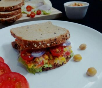 Mashed Chickpeas Sandwich - Plattershare - Recipes, Food Stories And Food Enthusiasts