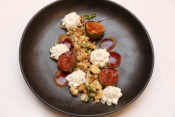 Grilled Figs With Almond Crumble And Vanila Mousse - Plattershare - Recipes, Food Stories And Food Enthusiasts