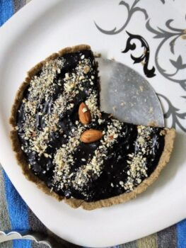 Dark Chocolate Pie - Plattershare - Recipes, Food Stories And Food Enthusiasts