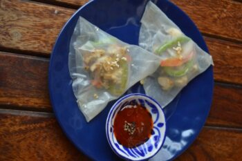Chicken &Amp; Veggies Served In Rice Parcels With Chilli Sauce Dip - Plattershare - Recipes, Food Stories And Food Enthusiasts