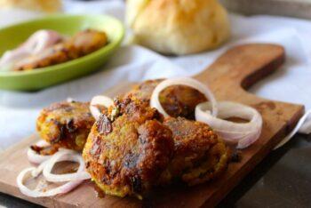Raw Banana Vada (Vazakkai Vadas) - Plattershare - Recipes, Food Stories And Food Enthusiasts