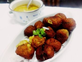 Potato Fish Balls With Spicy Peanut Sauce - Plattershare - Recipes, Food Stories And Food Enthusiasts