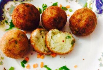 Cheesy Leftover Rice Balls - Plattershare - Recipes, Food Stories And Food Enthusiasts