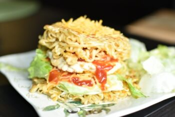 Maggi Chicken Burger - Plattershare - Recipes, Food Stories And Food Enthusiasts