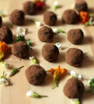 Healthy Date Almond Chocolate Truffles - Plattershare - Recipes, Food Stories And Food Enthusiasts