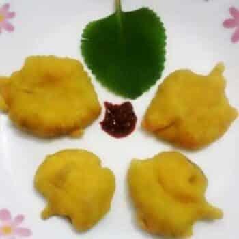 Vaamu Aaku Bajji / Carom Leaf Fritters - Plattershare - Recipes, Food Stories And Food Enthusiasts