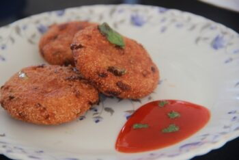 Semolina Cutlets - Sooji Cutlets - Indian Snacks - Plattershare - Recipes, Food Stories And Food Enthusiasts