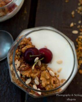 Granola Yogurt Parfait - Plattershare - Recipes, Food Stories And Food Enthusiasts