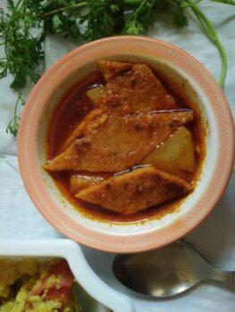 Dhokar Dalna (Baked Dhokas) - Plattershare - Recipes, Food Stories And Food Enthusiasts