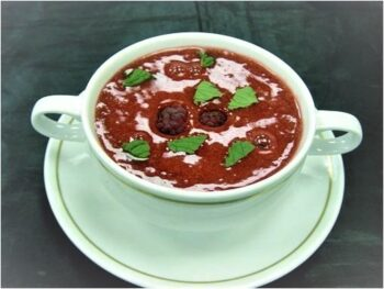 Chilled Strawberry Champagne Soup (Cocktail) - Plattershare - Recipes, Food Stories And Food Enthusiasts
