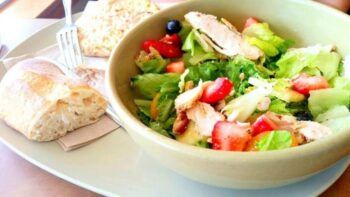 Strawberry Chicken Salad - Plattershare - Recipes, Food Stories And Food Enthusiasts